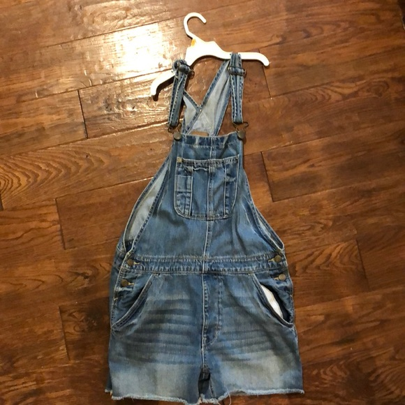 American Eagle Outfitters Pants - American Eagle Short Overalls
